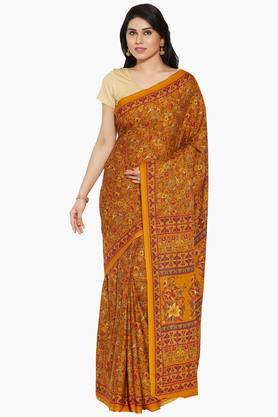 Women Floral Printed Crepe Saree With Paisley Print Border